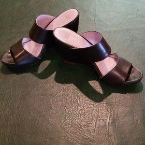 Black Johnston & Murphy slip-on sandal